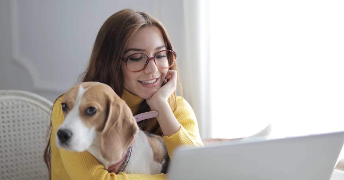 benefits of pets for teens - girl with beagle
