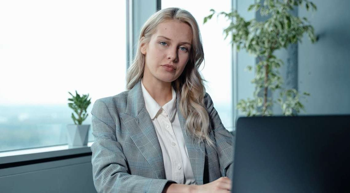 employee depression and female managers