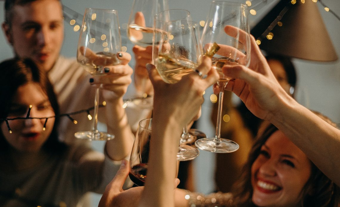 Narcissists drink more wine than average