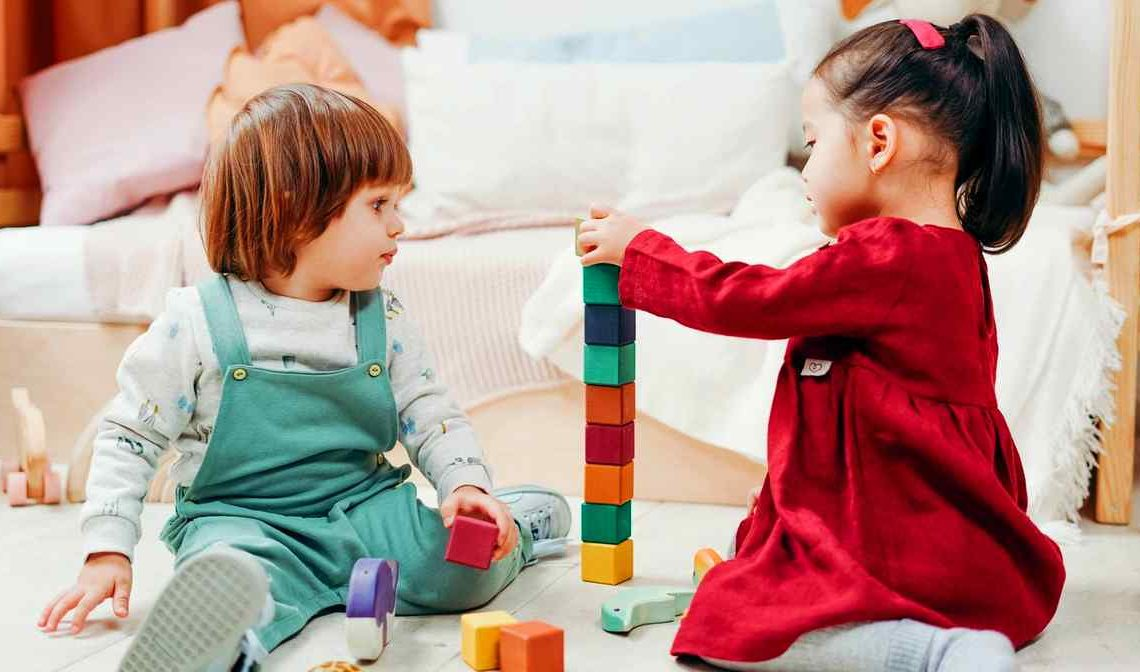 two toddlers play - no extra germline mutations from Chernobyl