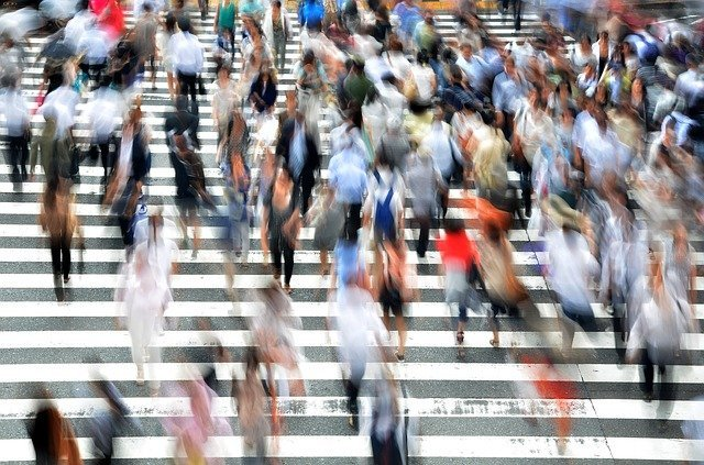 a busy street can create a fear of other people - Image by Brian Merrill from Pixabay